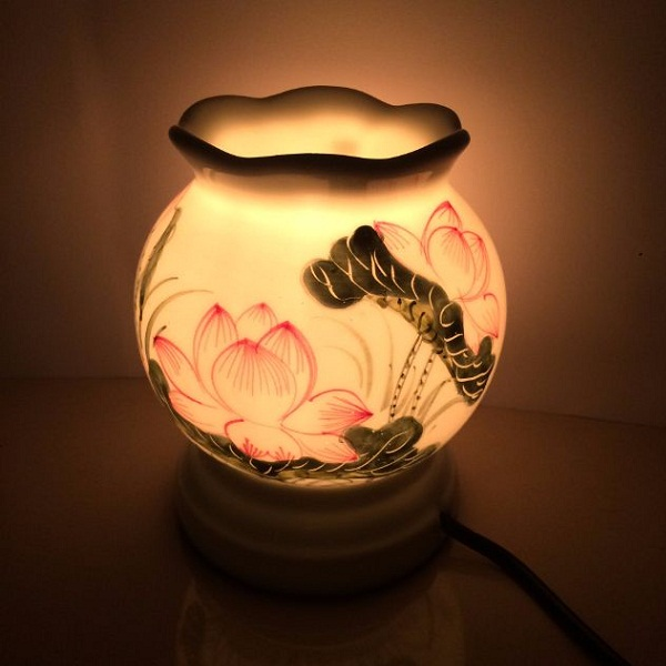 Đèn xông tinh dầu Thấu Quang