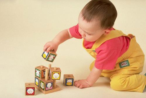 Những điều cần nắm rõ trước khi mua đồ chơi cho bé