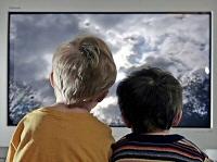 Những tác hại khi trẻ xem ti vi quá nhiều