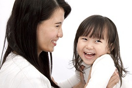 Bố mẹ nên làm 5 điều nhỏ bé này mỗi ngày để trẻ cảm thấy mình đặc biệt.